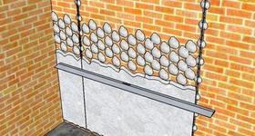 Как выровнять стену по маякам