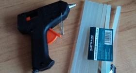 Клеевой пистолет пригодится везде – от ремонтных работ до детских поделок